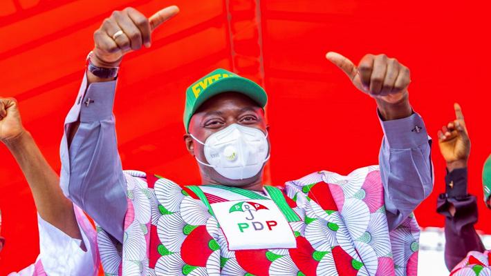 Makinde in PDP attire